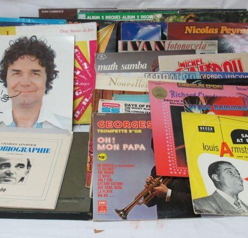 Lot de disques vinyles 33 tours , essentiellement variété française