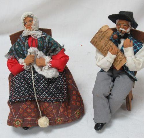 Couple de santons en terre cuite. Haut.: 20 cm