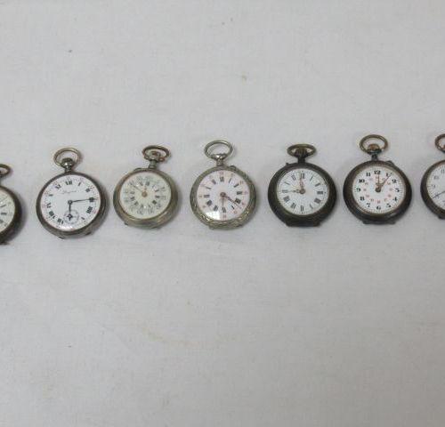 Lot de 7 montres de col en métal et acier. Dont une Longines. (manque un verre)