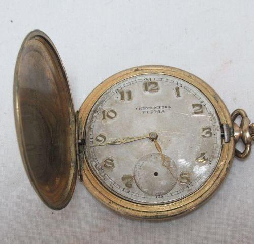 Lot de deux montres de gousset en métal doré. (usure)