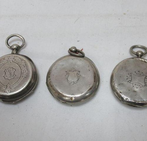 Lot de trois montres de gousset en argent. XIXe siècle. A clef. Poids brut : 202…
