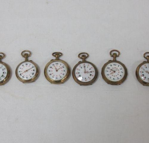 Lot de 6 montres de col en laiton. (accident à un verre)