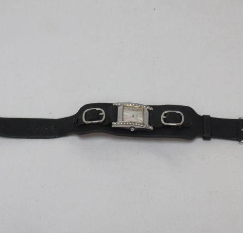 GUESS Montre de poignée pour femme, mouvement à quartz, bracelet en cuir noir , …