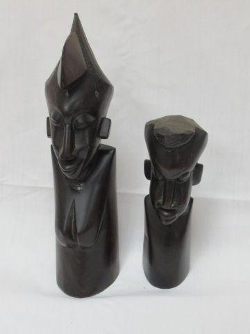 AFRIQUE Lot de deux bustes en ébènes. 22 34 cm