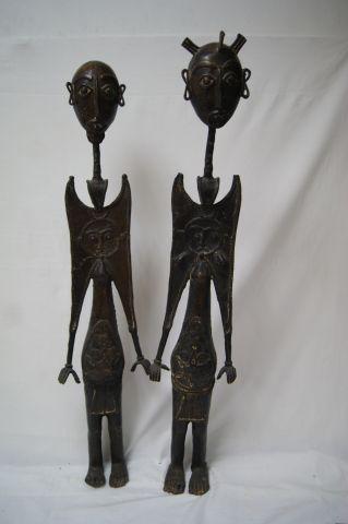 AFRIQUE Paire de sujets en bronze. Haut.: 83 cm