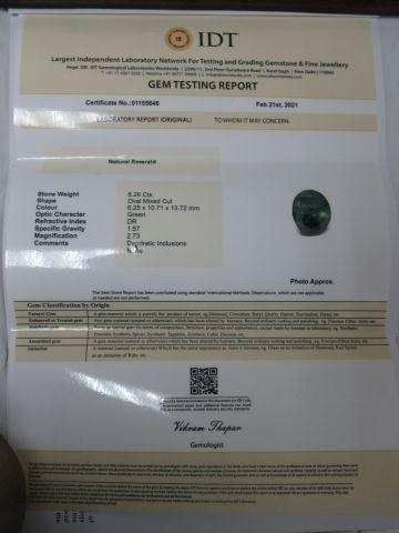 Emeraude. Poids : 6,28 carats. Avec son certificat.