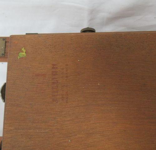 JULLIAN Caballete de madera plegable con estuche de pintura incorporado. 64 x 34…