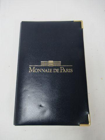 MONNAIE DE PARIS Coffret comprenant une série de pièce de 1999, dont 100 francs …