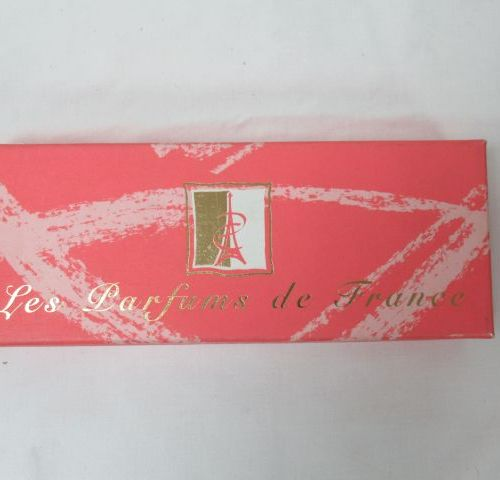 """Ensemble de 5 miniatures de parfums """"Parfums de France"""". Dans leur coffret."""