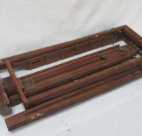 JULIAN Chevalet pliable en bois. 57 cm (plié)