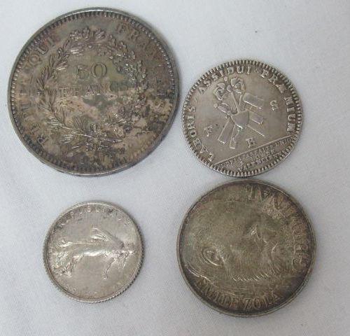 Lot de 3 pièces en argent : 50 francs Hercule 1979, 100 francs Zola 1985, 1 fran…