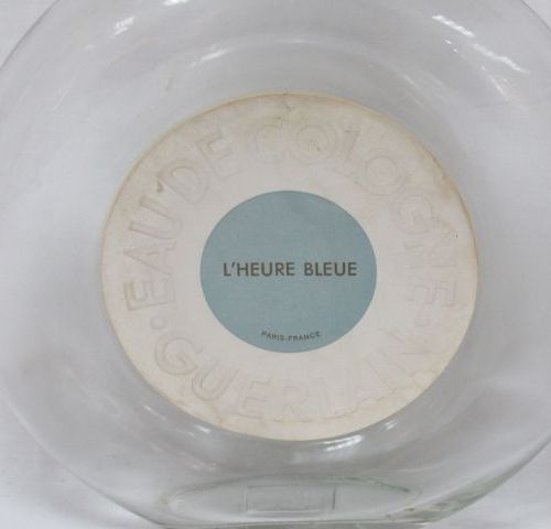 """GUERLAIN Grand flacon pour l'Eau de Cologne """"L'Heure bleue"""". Haut.: 29 cm (égren…"""