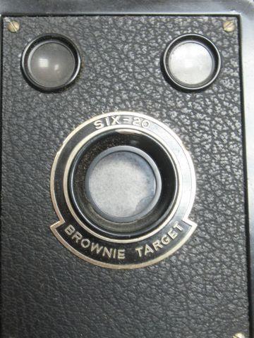 KODAK Appareil photo Brownie, Sixt 20. Circa 1950.