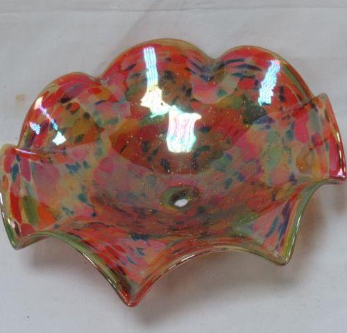 Elément de suspension en verre coloré, dans le goût de Clichy avec son support e…