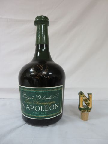 Cognac Bisquit Dubouché & Co, Fine Champagne, Napoléon. 148 cl. Dans son boîte d…