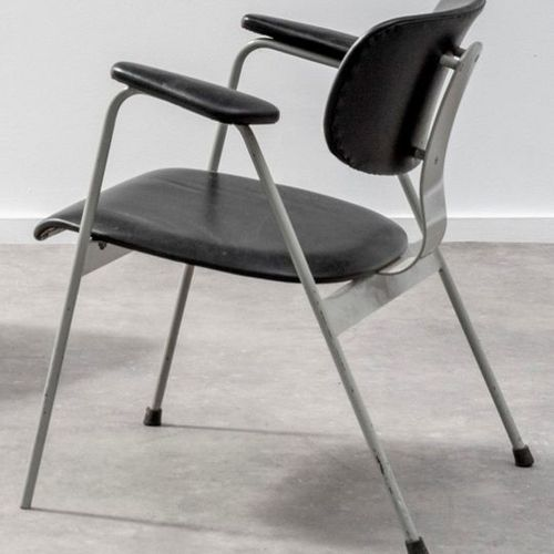 WILLY VAN DER MEEREN (1923 2002) F1 Armchair Plywood, black vinyl and grey lacqu…