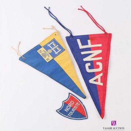 Lot comprenant deux fanions en tissu brodé ACNF (Automobile Club du Nord de la F…