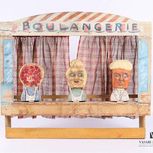"""Jeu de tir en bois, cartons et tissus, marqué """" Boulangerie """", le théâtre présen…"""