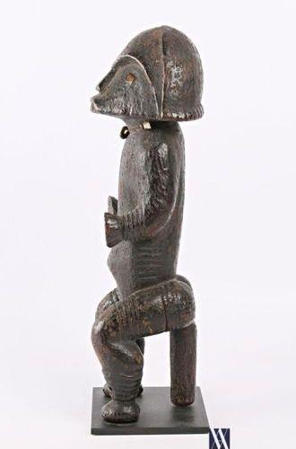 FANG REGION RIVIERE SANGHA Statue d'ancêtre, gardien de reliquaire en bois sculp…