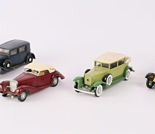 SOLIDO (FRANCE) Lot de quatre véhicules échelle 1/43 : Renault Reinastella 1934 …