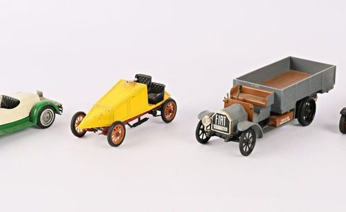MATCH BOX RIO Set of four vehicles: Stutz Bearcat 1931 Crossley 1918 General 190…