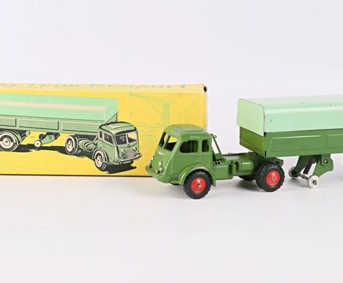 CIJ (FRANCE) Tractor Renault semi trailer N°3/70 (wear and tear and small paint …