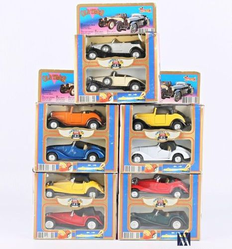 OLD TIMER HOBBY DAX Set of five boxes each containing two vehicles (wear, tears …
