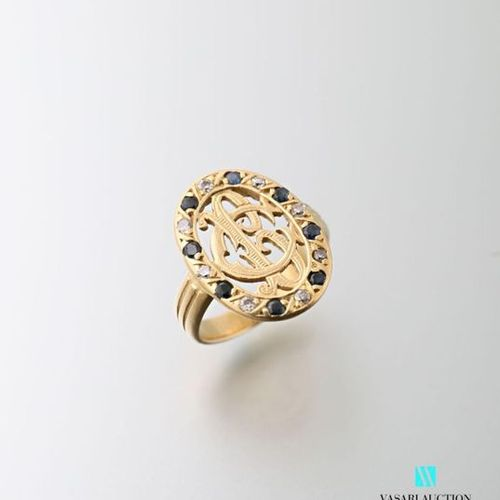 Ring in 750 thousandths yellow gold, oval openwork pattern adorned with BC numer…