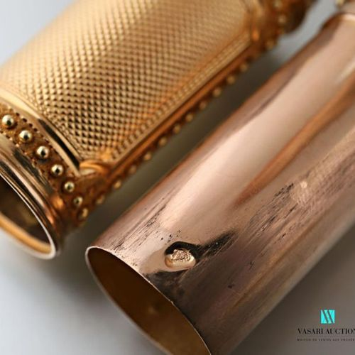 Wax case in yellow and pink gold 750 thousandths with guilloche decoration in re…