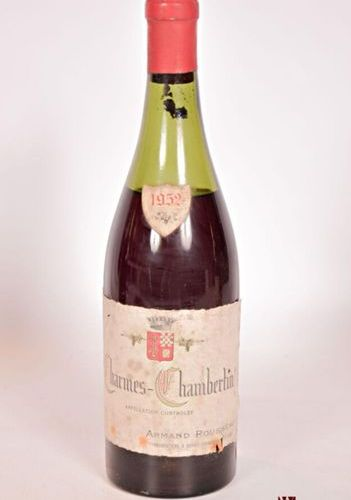 1 bottle CHARMES CHAMBERTIN mise Armand Rousseau Prop. 1952 And. Faded, worn and…