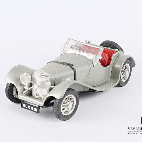 BURAGO (Italy)  1/18 Jaguar SS 100 car (1937)  (state of use)
