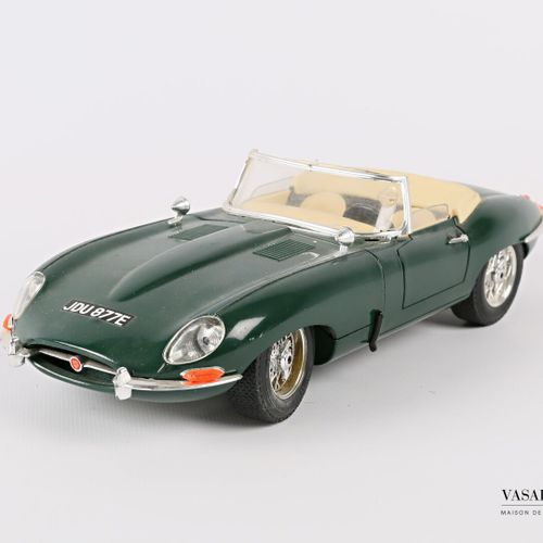 "BURAGO (Italy)  1/18 Jaguar ""E"" car (1961)  (state of use)"