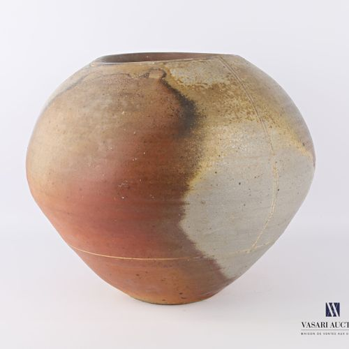 ASTOUL Éric (Born in 1954)  Large vase with flared body in stoneware  Signed and…