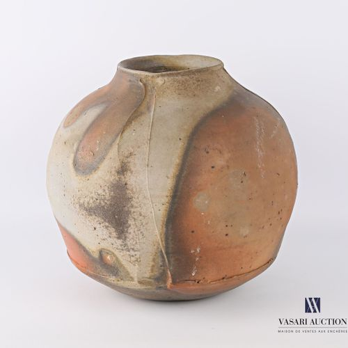 ASTOUL Éric (Born in 1954)  Spherical vase in stoneware, the belly decorated wit…