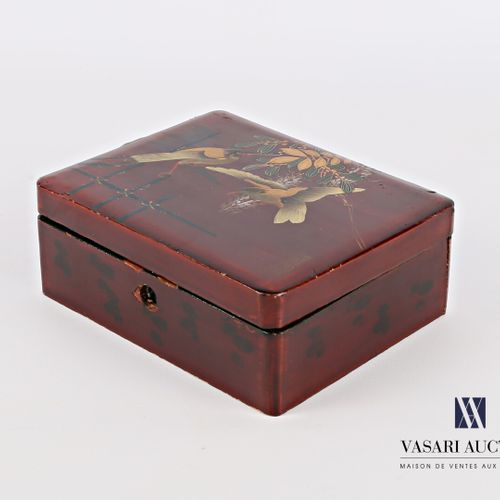 Rectangular box of boiled lacquered cardboard with polychrome decoration and gol…
