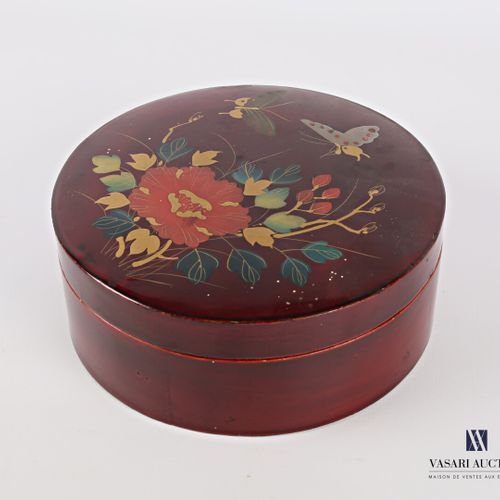 Round shaped box made of boiled and lacquered cardboard with polychrome decorati…