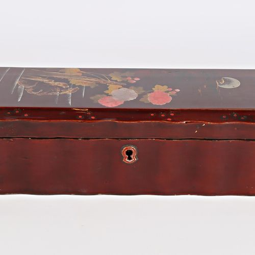 Rectangular glove box with slightly moving sides made of boiled lacquered cardbo…