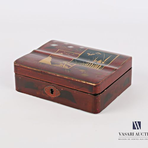 Rectangular box of boiled cardboard lacquered with polychrome decoration and gol…