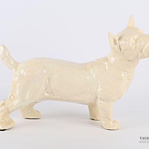 Sujet en faïence craquelée figurant un Scottish Terrier  (petites égrenures)  Ha…