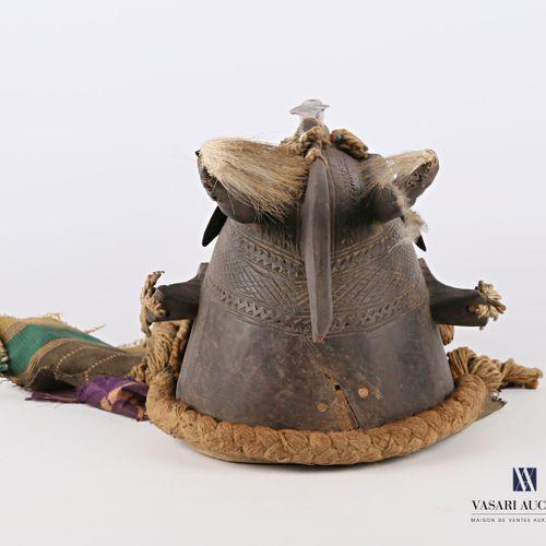 MALI MARKA  Masque Marka en bois sculpté, en partie recouvert de métal, tissu, p…