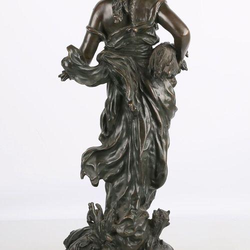 MOREAU Auguste (1834 1917) d'après  Cybelle  Bronze à patine brun vert  XIXème s…