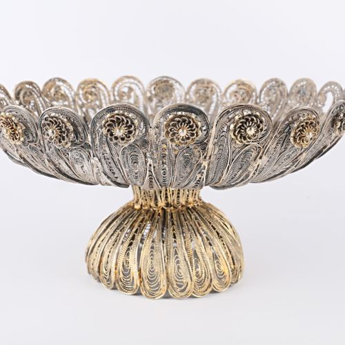 Importante coupe en argent filigrané et argent doré filigrané, à décor de côtes …