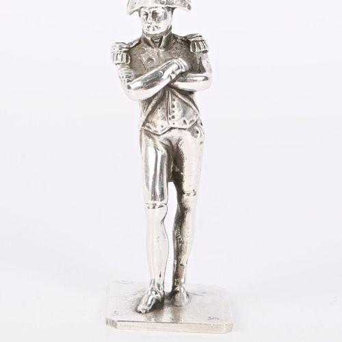 Statuette en argent figurant Napoléon  Poids : 65,44 g Haut. : 6,5 cm