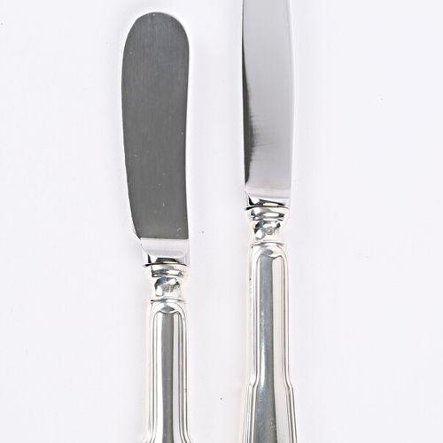 Ensemble en argent comprenant un couteau à beurre et un couteau à fromage, le ma…