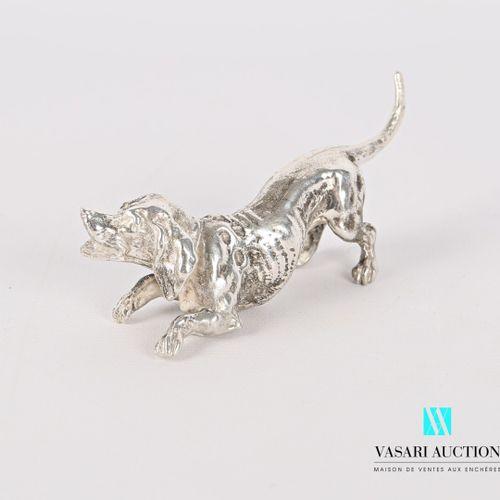 Sujet en argent figurant un chien  Poids : 149,82 g Haut. : 3 cm Long. : 9 cm