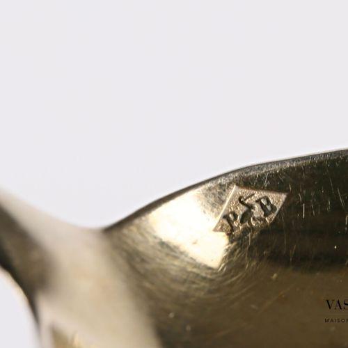 Partie de service à thé an argent doré 800 millième à décor de médaillons chiffr…