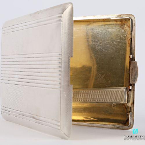 Étui à cigarettes de marque Lancel en argent, les plats ornés de bandes horizont…