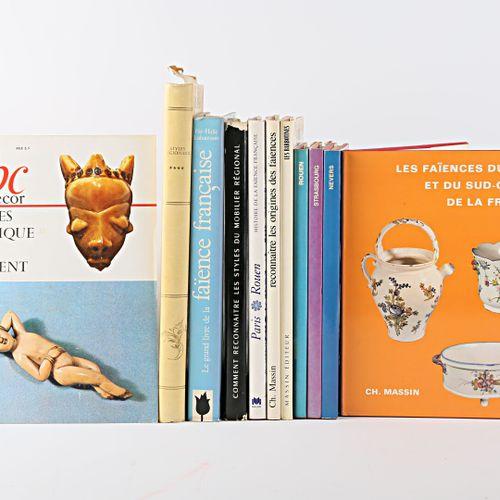 [ARTS DECORATIFS/FAIENCES EDITIONS MASSIN]  Lot comprenant dix vol. In 4° sous j…