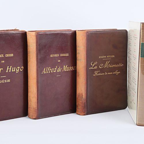 [LITTERATURE & DIVERS]  Lot comprenant dix ouvrages :   VICTOR HUGO Morceaux cho…