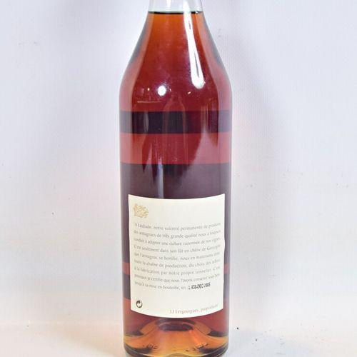 1 bouteilleBas Armagnac LAUBADE1970  70 cl 44°. Mise en bouteille en Décembr…